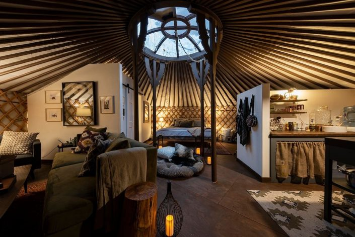 Cozy 7-wall yurt for airbnb in Ontario by groovy yurts