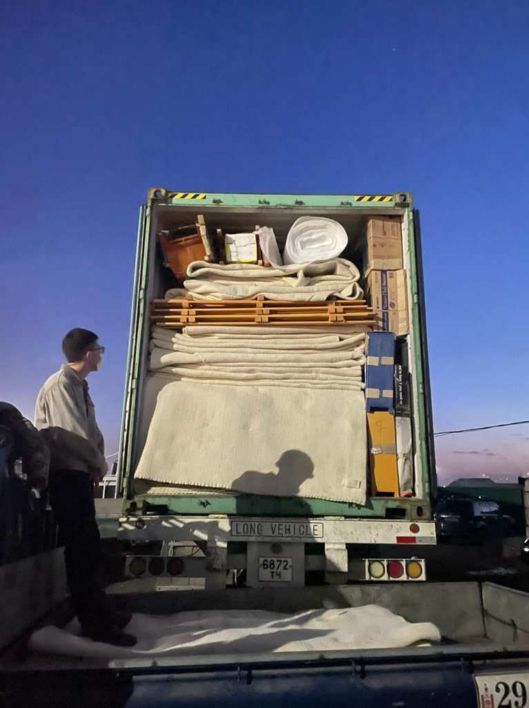 groovy yurts truck delivering yurt materials